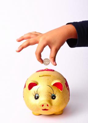 LGT Vestra savings children piggy bank
