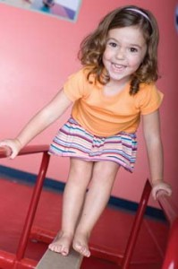 Giggle Worms - gymnastics-based classes for children 4 to 5 years old @ The Little Gym Wandsworth & Fulham | London | United Kingdom
