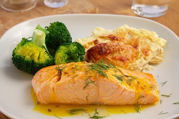 Salmon-in-citrus-sauce-with-celeriac-gratin-2012-10-18